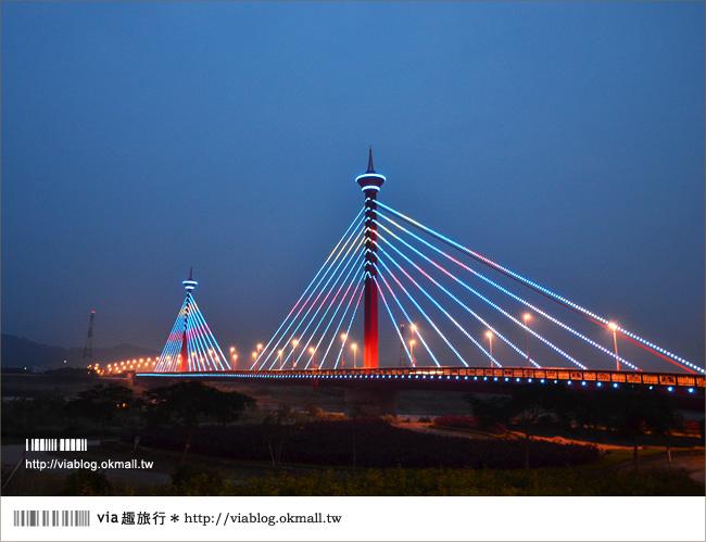 苗栗夜景》新東大橋~苗栗的美麗夜景!彩虹般繽紛的斜張橋!