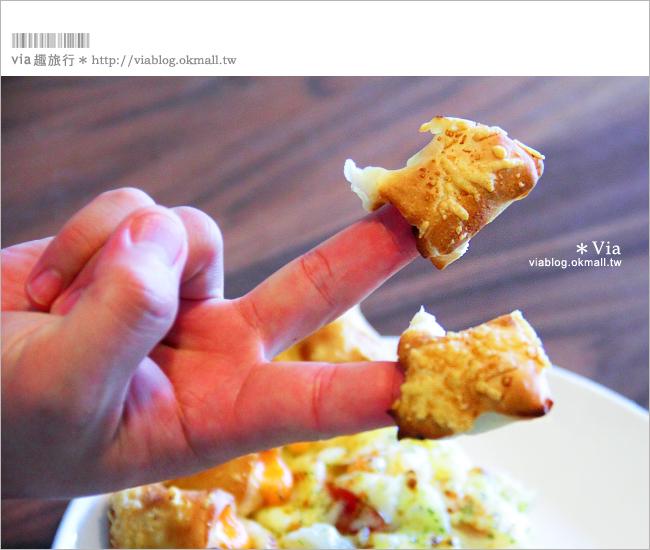 【必勝客pizza】新口味試吃!黃金龍捲風餅皮~大蝦培根龍捲風比薩!