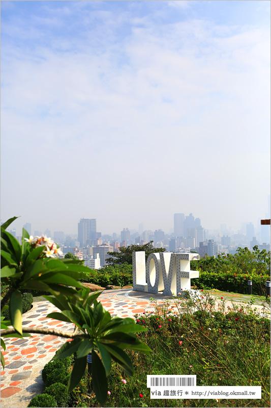 【高雄景點推薦】高雄忠烈祠LOVE觀景台~一次欣賞城市、海港雙景色!LOVE好浪漫!