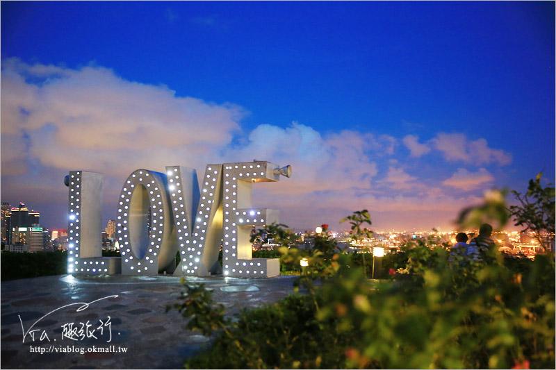 【高雄旅遊景點】高雄LOVE觀景台~忠烈祠夜景!浪漫約會的好去處~璀璨百萬夜景夢幻登場!