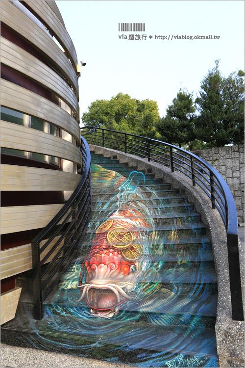【南投紫南宮】紫南宮彩繪階梯~喜氣洋洋的彩繪階梯新登場!金筍迎客七星級公廁好吸睛!