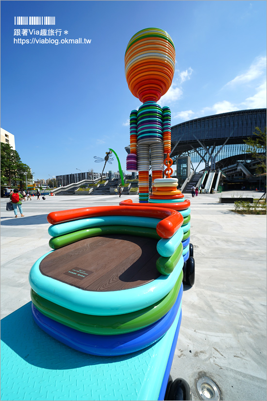 【台中車站】新台中車站變熱門打卡景點~快樂小童、水逗娘等公共藝術好好拍!