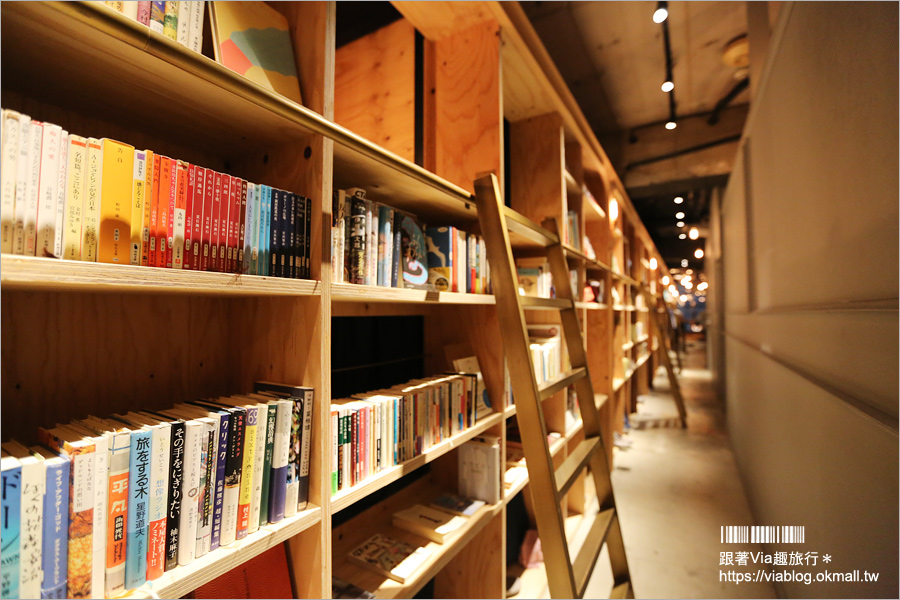 【東京青年旅館】池袋BOOK AND BED TOKYO‧書香入夢旅館[本店]~直接睡在書屋中好特別!