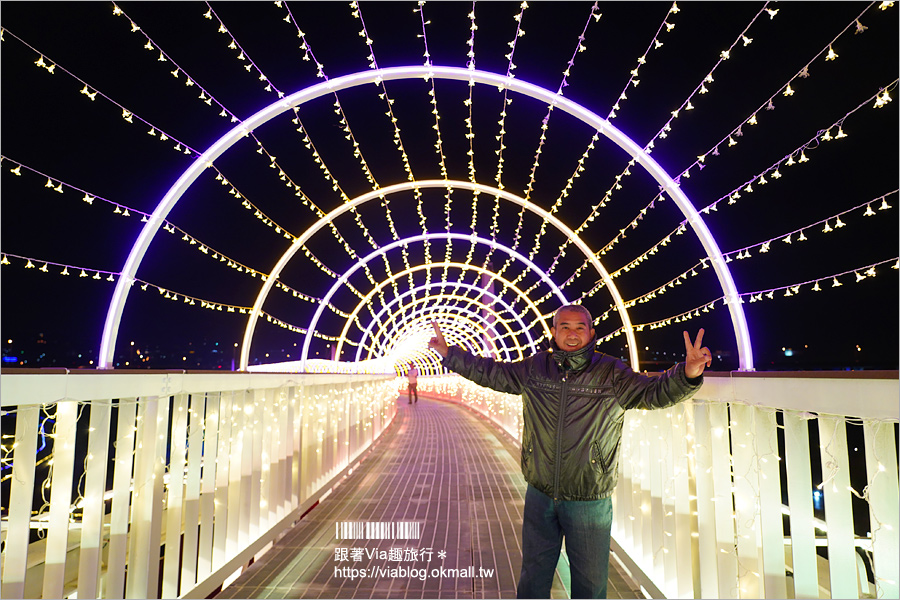 【南投浪漫情人橋】春節走春景點推薦~花海、水舞、情人橋免費參觀!日夜雙景都精彩!