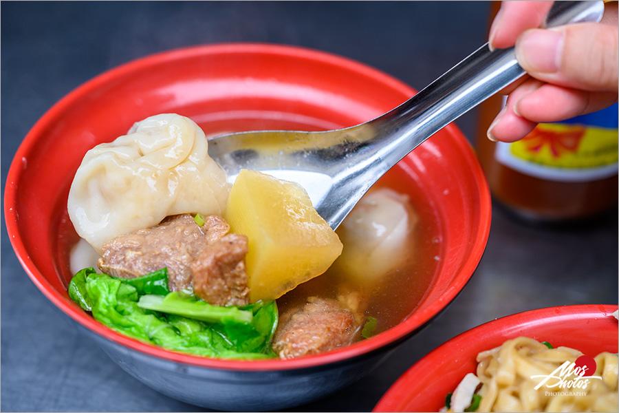 【澎湖美食】北辰市場老地方排骨麵~品嘗在地人吃的早餐,逛透澎湖傳統早市,好吃好玩好有趣!!