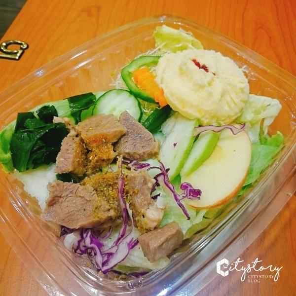 【草屯沙拉輕食專賣店】不只是沙拉輕食專賣店-田園野菜百元內平價美食來了~